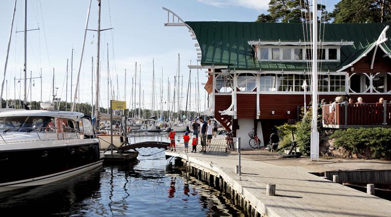 Vandring i Lars Soncks och Hilda Hongells fotspår genom Mariehamn